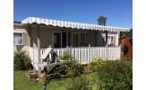 Toiture rayée gris/blanc pour terrasse de mobil home