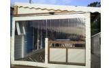 Joue gauche sur rail et roulettes avec grande fenêtre panoramique
